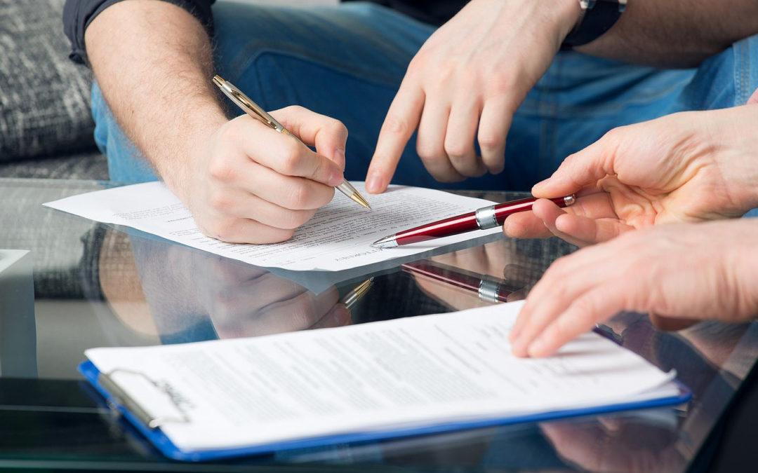 Las partes pueden revisar cumplimiento de contratos