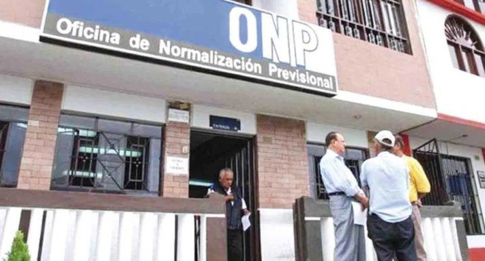 Aprueban devolución del 100% de aportes a ONP a mayores de 55 años y que no contribuyeron 20 años